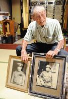 亡き父の写真を前に平和への思いを語る西山誠一さん=石川県加賀市で、岡崎英遠撮影