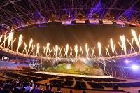 第18回アジア大会の開会式で打ち上げられた花火=ジャカルタのブンカルノ競技場で2018年8月18日、宮間俊樹撮影