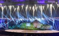 華々しく開幕した第18回アジア大会の開会式=ジャカルタのブンカルノ競技場で2018年8月18日、徳野仁子撮影