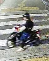 兵庫県尼崎市内で防犯カメラに映った樋田淳也容疑者に似た男=兵庫県尼崎市立花町で8月14日撮影