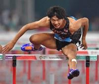 【陸上】陸上男子110メートル障害決勝、7位に終わった金井大旺=ジャカルタのブンカルノ競技場で2018年8月28日、徳野仁子撮影