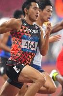 【陸上】陸上男子200メートル準決勝、決勝進出を決めた飯塚翔太=ジャカルタのブンカルノ競技場で2018年8月28日、徳野仁子撮影