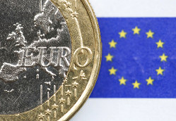EUはフィンテックをどう規制するか(Bloomberg)