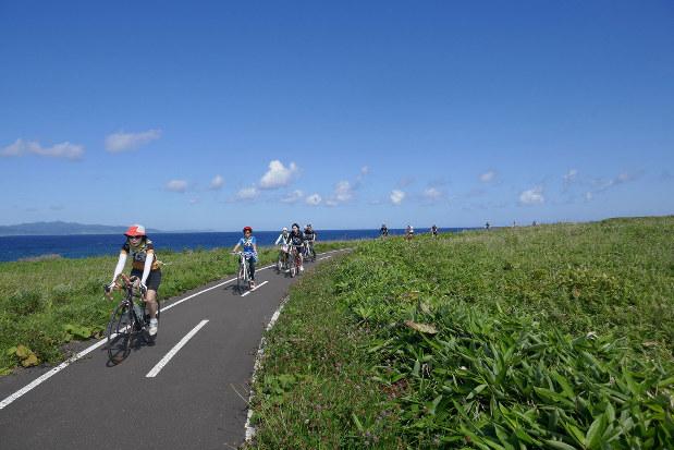 北海道のモデルルートの一つ「きた北海道ルート」の利尻自転車道線は海と山の絶景ルート(筆者撮影)