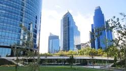サンティアゴ新市街の無機的な高層ビル群。日本人の持つ南米のイメージとはかけ離れた空間(写真は筆者撮影)