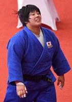 柔道女子78キロ超級決勝で優勝し笑顔の素根輝=ジャカルタで2018年8月31日、宮間俊樹撮影