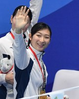 競泳女子400メートルメドレーリレーで優勝し笑顔の池江璃花子=ジャカルタで2018年8月23日、宮間俊樹撮影