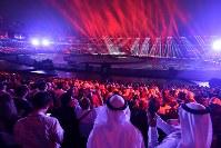 インドネシアの国歌が流れる中、始まったアジア大会の開会式=ジャカルタのブンカルノ競技場で2018年9月2日、宮間俊樹撮影