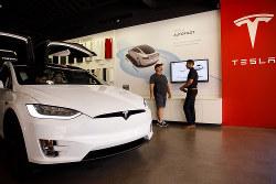 テラスの量産計画引き上げで、電池市場に明るさが戻った(Bloomberg)