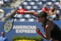 【女子シングルス準々決勝】世界ランキング36位のレシア・ツレンコ(ウクライナ)に6-1、6-1で勝ち、同種目で全米の日本女子としては初の4強入りを果たした=AP