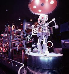 フジパン・ロボット館 内部構造が見えるロボット=1970年2月27日