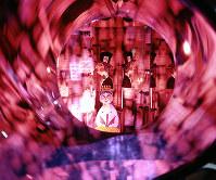 住友童話館 立体化された「不思議の国のアリス」の1シーン=1970年3月2日