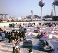 自動車館 電子交通システムで管理される交通ゲーム広場=1970年2月18日