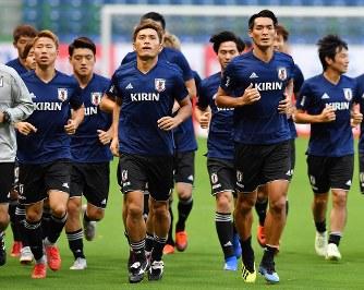サッカー日本代表:森保一監督の...