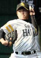 投球練習をする杉内俊哉=宮崎市の生目の杜運動公園で2008年2月2日、田中雅之撮影