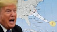 大型ハリケーン「フローレンス」の関連会合で発言するトランプ米大統領=ホワイトハウスで11日、AP