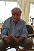 UNRWAの将来への不安を語るガザ事務所のシュマル所長=ガザ市で2018年9月5日、高橋宗男撮影