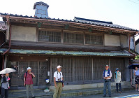 町で一番の地主だった斉藤家。100年前の8月5日、民衆が押しかけて当主と話し合ったという=富山県滑川市内で2018年8月5日、青山郁子撮影