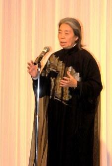 「平和首長会議国内加盟都市会議」で反戦への思いを訴える樹木希林さん=松本市内のホテルで2014年11月10日、近藤隆志撮影