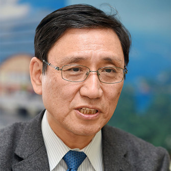 鈴木達治郎氏