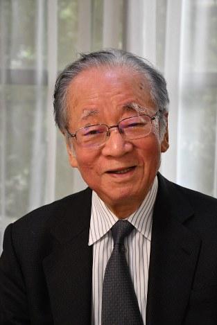 Interview:堺屋太一さん(作家...