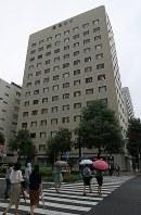 東海3県の商業地で基準地価の上昇率1位(全国5位)となった名古屋鴻池ビルディング=名古屋市中区錦2で2018年9月14日、兵藤公治撮影
