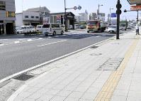 県警の機動隊員が拳銃を落とし、近隣住民が拾った現場=和歌山市橋向丁で2018年9月19日、黒川晋史撮影