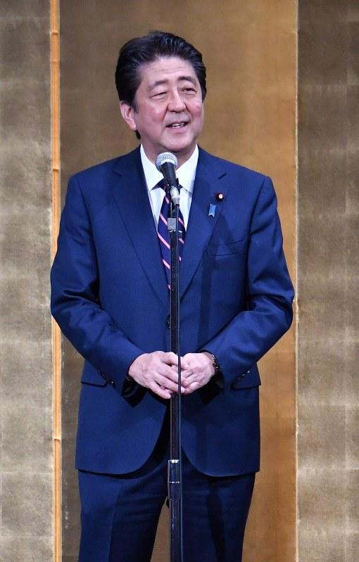 Prime Minister Shinzo Abe is seen in Tokyo's Chiyoda Ward on Sept. 20, 2018. (Mainichi)