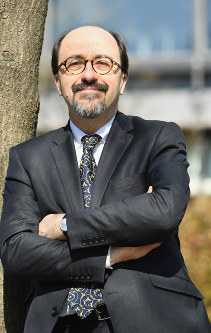 Bill Emmott (Mainichi)