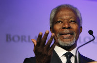 In this Oct. 14, 2010, file photo, former United Nations Secretary-General Kofi Annan speaks at the World Food Prize Symposium in Des Moines, Iowa. (AP Photo/Charlie Neibergall)
