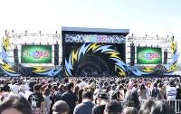 イナズマロックフェス2018メインステージ「雷神」=滋賀県草津市下物町の烏丸半島で2018年9月22日午後2時39分、成松秋穂撮影