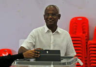 Maldives' opposition presidential candidate Ibrahim Mohamed Solih casts his vote at a polling station during presidential election day in Male, Maldives, on Sept. 23, 2018. (AP Photo/Eranga Jayawardena)