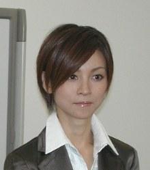 Hitomi Yoshizawa (Mainichi)