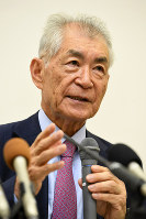 Tasuku Honjo speaks during an interview with reporters from multiple news outlets in Kyoto's Sakyo Ward on Sept. 27, 2017. (Mainichi/Yusuke Komatsu)