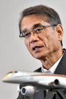インタビューに答える三菱航空機の水谷久和社長=愛知県豊山町で2018年9月27日、大西岳彦撮影