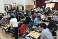 熱戦が繰り広げられた世界アマ選手権日本代表決定戦=東京・市ケ谷の日本棋院で