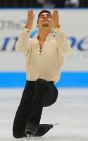【ジャパンオープン】演技を披露するハビエル・フェルナンデス=さいたまスーパーアリーナで2018年10月6日、宮武祐希撮影