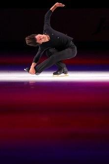 【ジャパンオープン】事件に巻き込まれて亡くなったデニス・テンさんへの追悼の思いを込めた演技を披露するゲストスケーターのステファン・ランビエル=さいたまスーパーアリーナで2018年10月6日、宮武祐希撮影