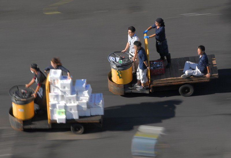 【豊洲市場】ターレの荷台から客の70代女性が落下し重傷 業務上過失致傷の疑いで捜査