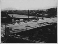 広島県商工経済会(現広島商工会議所)から撮影された相生橋=1946年8月5~7日ごろ、米科学アカデミー所蔵