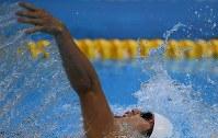 【アジアパラ大会・競泳】男子100メートル背泳ぎ(視覚障害S11)で優勝した木村敬一=インドネシア・ジャカルタで2018年10月11日、久保玲撮影