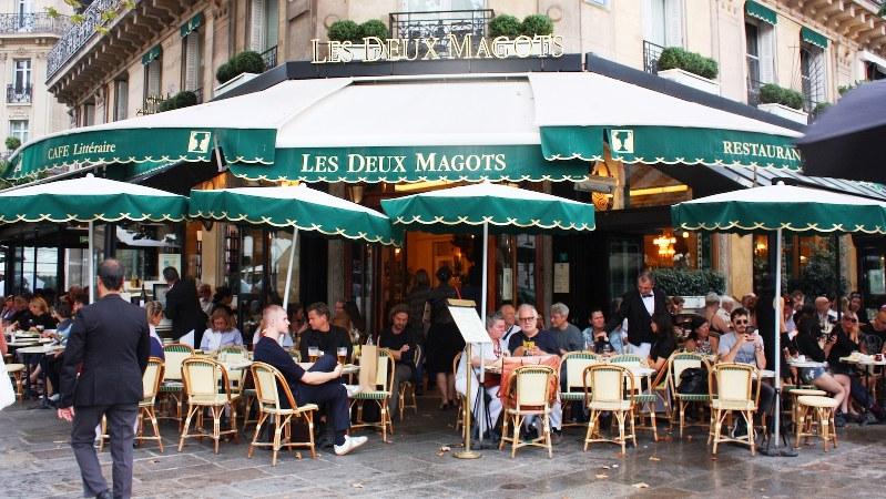 その昔、作家らが集っていたサンジェルマンデプレのカフェ、レドゥマゴ=筆者撮影