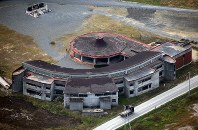 Okawa Elementary School, which was flooded by the tsunami caused by the 2011 Great East Japan Earthquake, is seen in Ishinomaki, Miyagi Prefecture, in this Oct. 15, 2016 file photo taken from a Mainichi Shimbun helicopter. (Mainichi)
