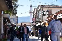アルバニア人が多く住むマケドニアの首都スコピエの旧市街=2018年9月27日、三木幸治撮影
