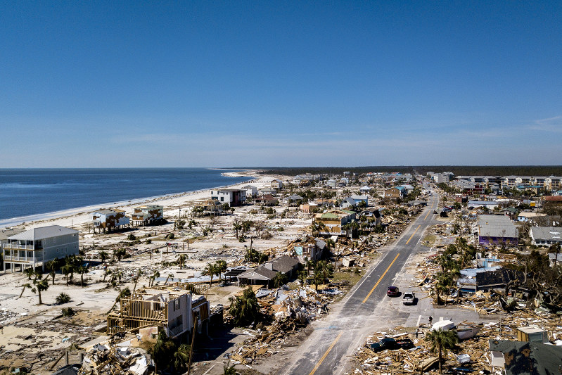 Hurricane Michael survivors wander debris, search for the missing