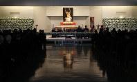 青山葬儀所で行われた元横綱・輪島さんの告別式=東京都港区で2018年10月15日午前10時14分(代表撮影)