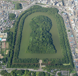 宮内庁:仁徳天皇陵を発掘へ 今...