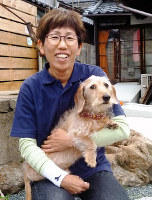 「安心して犬を預けられる場所にしたい」と語る浦詰聖子さん=奈良市公納堂町で、新宮達撮影