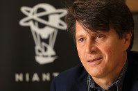 Niantic Inc. CEO John Hanke answers questions during an interview with the Mainichi Shimbun in Tokyo on Oct. 16, 2018. (Mainichi/Naotsune Umemura)