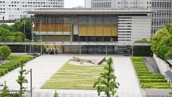 首相官邸=2017年5月24日、川田雅浩撮影